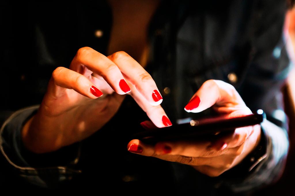 ING Bank oferă o variantă virtuală pentru toate tipurile de card, disponibile direct din Home'Bank