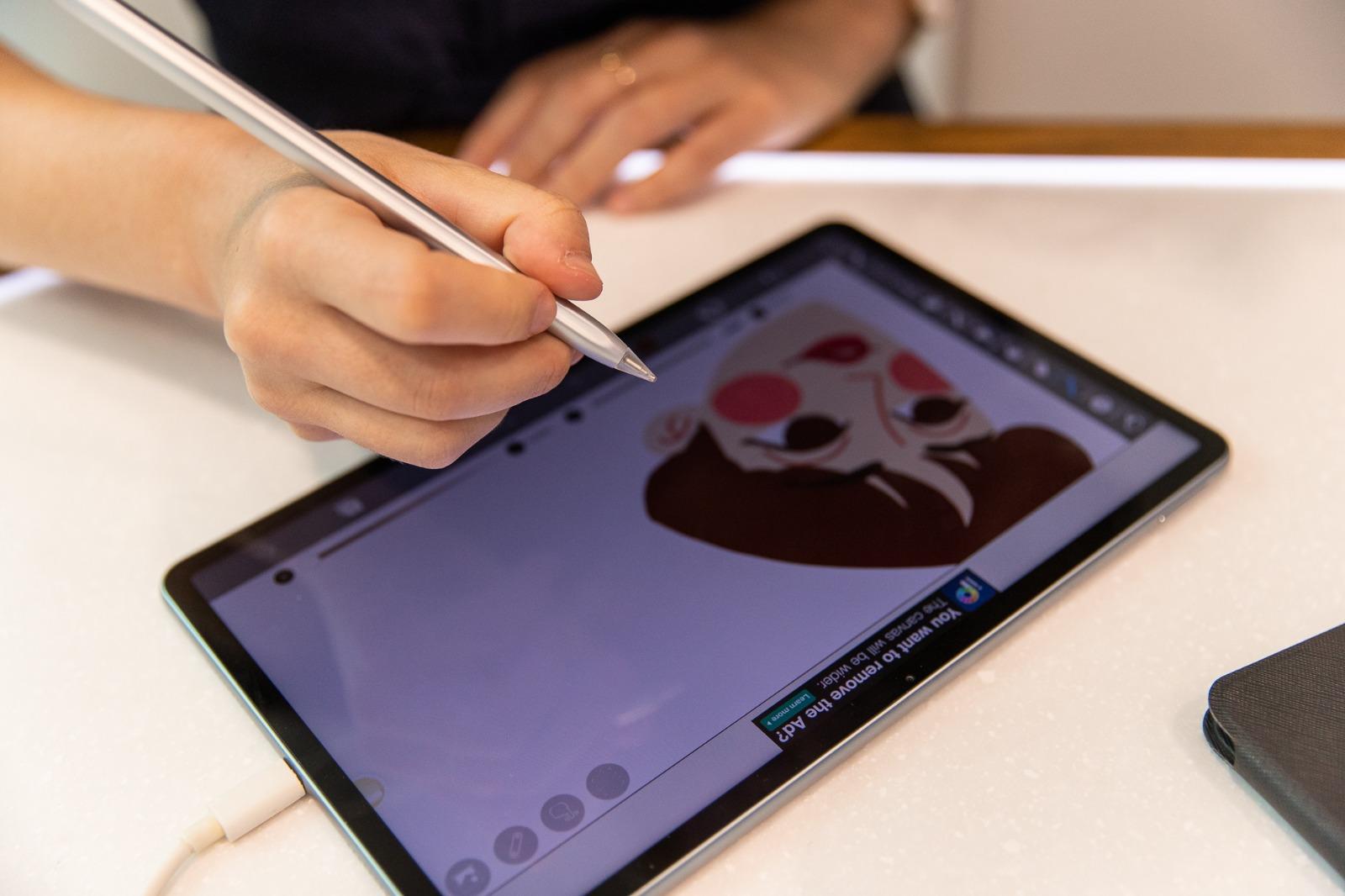 Capacitățile grafice ale noii tablete HUAWEI MatePad 11 dovedite în cadrul unui workshop de ilustrație digitală