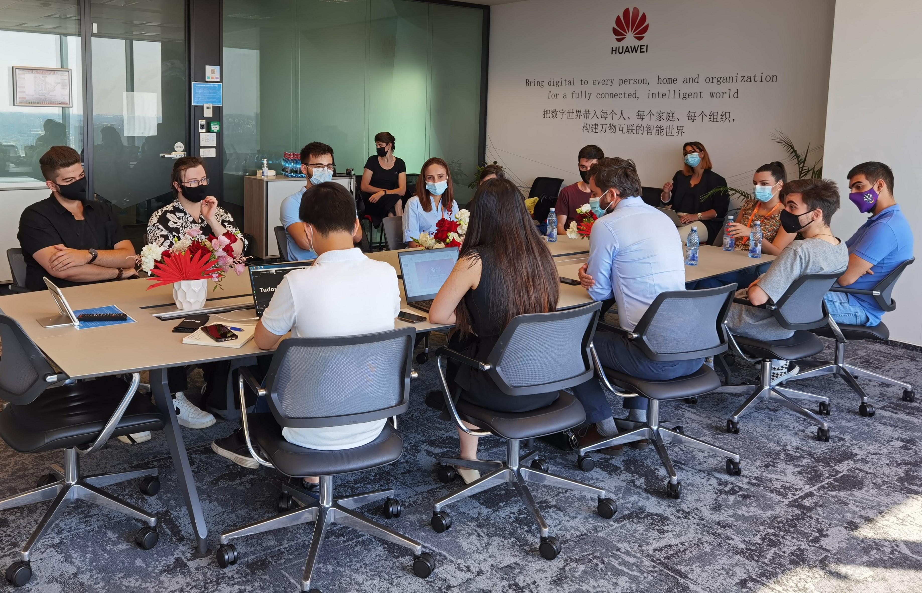 """S-a lansat cea de-a opta ediție a programului """"Seeds for the Future"""" derulat de Huawei pentru studenții pasionați de tehnologie"""