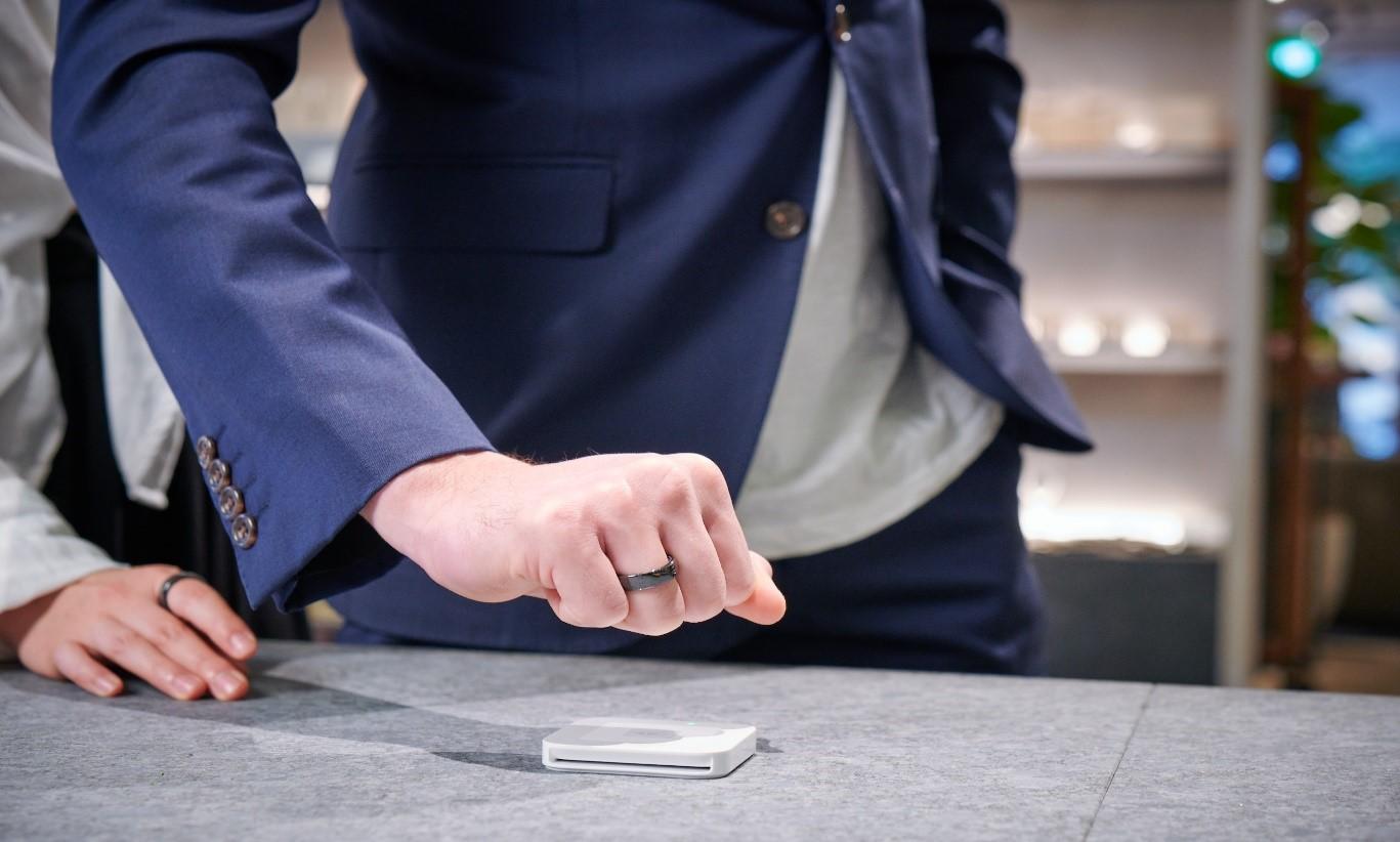 Thales colaborează cu EVERING și furnizează tehnologia pentru un inel inteligent